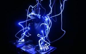 תקליטן חשמלי לאירועים