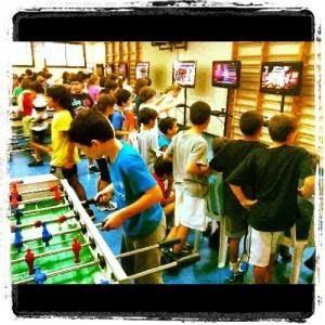 תמונה של ילדים משחקים אטרקציות לאירועים מיוחדים מאוד במרכז